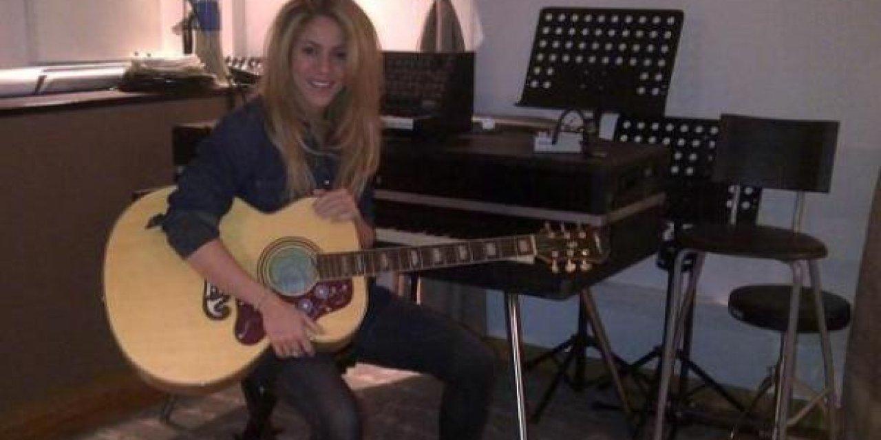 Shakira reveló el nombre y da detalles de su nuevo disco